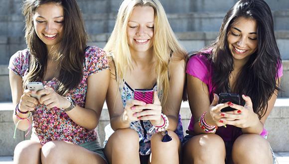שימושי פייסבוק בקרב בני נוער